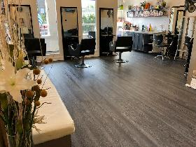 Chair Rental in busy Salon on the Danforth