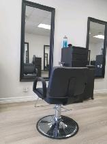 HAIRSTYLIST WANTED TO RENT A CHAIR ON AVENUE RD