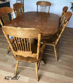 Price Reduced. Dining Table and Chairs