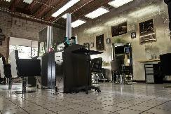 CHAIR RENTAL FOR BARBERS & HAIRSTYLISTS. UPSCALE PRIME LOCATION