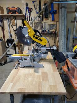 Dewalt 12' Sliding compound Mitre Saw