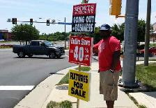 Sign Holding $25/hour!!