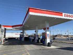 Cashier needed for busy Esso location