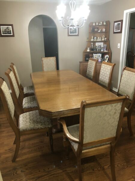 10 Pce Solid Oak Dining Room Set Hutch And Buffet8 Chairs