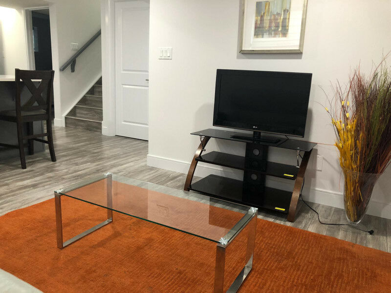NEW HOUSE FURNISHED BASEMENT SUITE2 ROOMS FOR RENT SEPERATELY