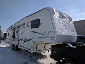 2001 Golden Falcon 33ft Presidential 5th Wheel $7900