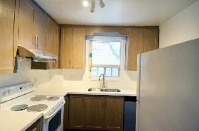 3BR 2WR House Rental (Step to Earl Haig SS, Empress Subway)